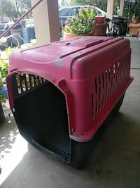 red and black pet carrier Cathedral City, 92234