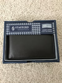 Leather Bi-fold wallet - NEW! Genuine Brown Leather!