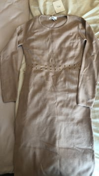 Medium size nude dress- Perfect for Fall!  Mississauga, L5M