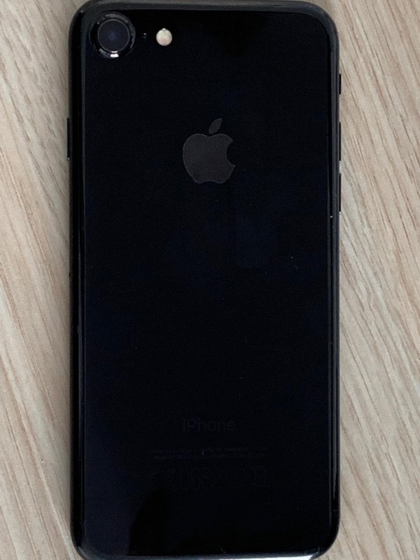 Acil İPHONE 7 jet black 128GB e36c9320-9cd0-4e1e-a97d-9a7d99e2cefe
