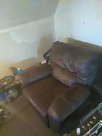 brown leather 3-seat recliner sofa Chicago, 60602