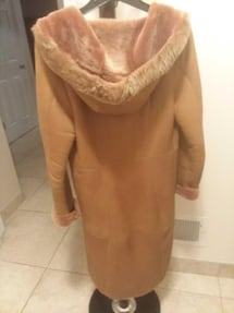 "Very nice Lined Natural Suede Winter Coat with Hood- Lightweight- Made in Italy by ""Manzari"" - Size M."