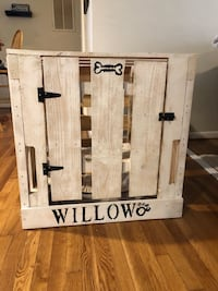 Custom dog crate. Name can easily be painted over! Virginia Beach, 23452