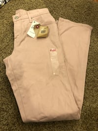 NWT Levi's size 27x32 pink jeans straight leg  Murray, 84123