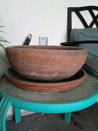 Large Clay/Terra Cotta Planter read description