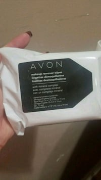 Avon makeup remover wipes with mineral complex Youngstown, 44515