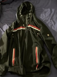A cool trench coat 维多利亚, V8W 0A4