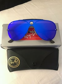 blue Ray-Ban aviator sunglasses with case Miami, 33176