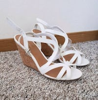 Wedge sandals size 9 Victoria, V8T 1M6