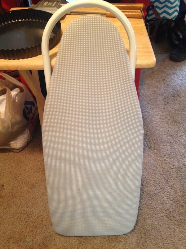 gray clothes ironing board 7166abba-7ef1-4a95-a6ae-894d7d3ee444
