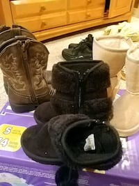 shoes toddler size 5 6 and 7 North Providence, 02904