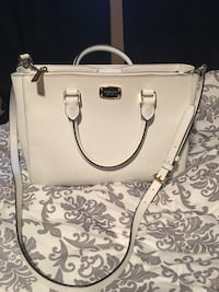 White Michael Kors tote with strap