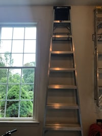 10 Foot Aluminum ladder-easy to store!  Vienna, 22182