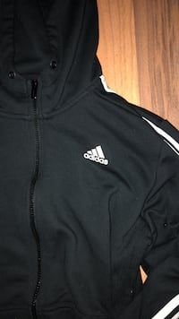 Large Adidas sweater Barrie, L4N