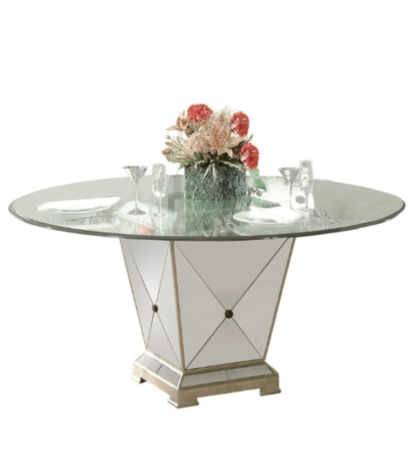 Dinning table only e5153464-7a23-4c83-8aa8-a00402d185d4