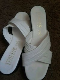 pair of white leather open-toe wedge sandals Naples, 34102