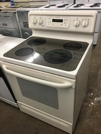 Guaranteed Refurbished smooth glass flat ceramic top Stove Knoxville, 37916