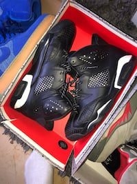 pair of black Air Jordan basketball shoes with box North Las Vegas, 89031