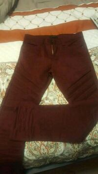 New young mens maroon skinny jeans Knoxville, 37918