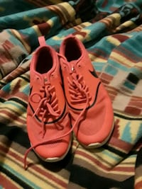 pair of red Nike running shoes San Angelo, 76901