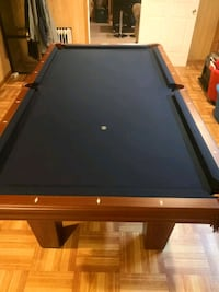 Pool table with cues (see pictures)  Snellville, 30039