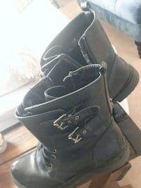 pair of black leather work boots Calgary, T2Y 4S7