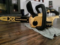 Dewalt battery operated chainsaw Red Lion