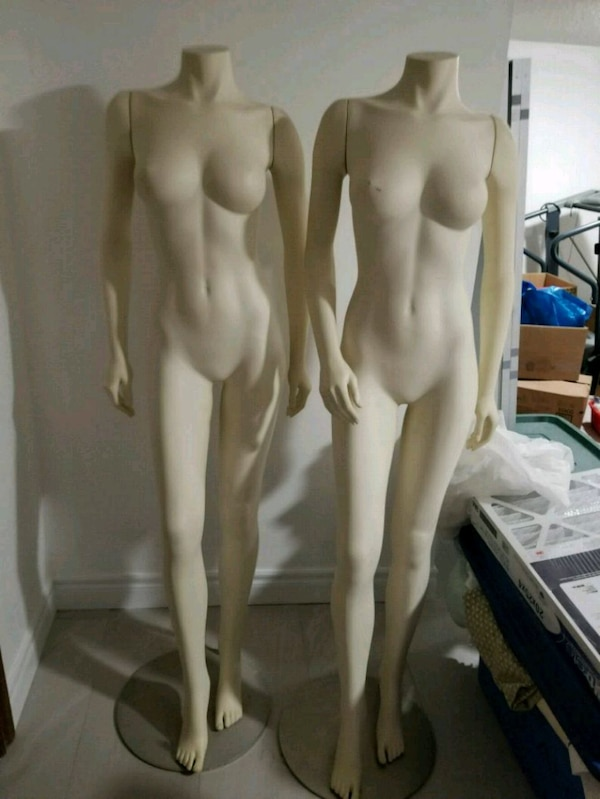 2x female mannequins pick up only