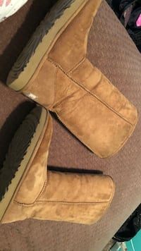 Brown uggs only used three times , size 9 Dos Palos, 93620