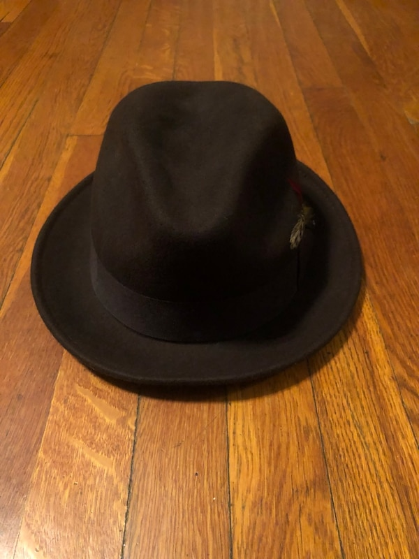 Jaxon hat paid $50 size Large. Excellent condition 100% wool Worn once fdeded6e-343f-4831-aed9-13878d947c64