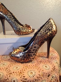 $20 Brand New Wild Rose Bronze Multi leopard Print Pumps size 7.5 in box, never worn. Austin, 78753