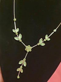 Green rhinestone & cabochon silver Y necklace