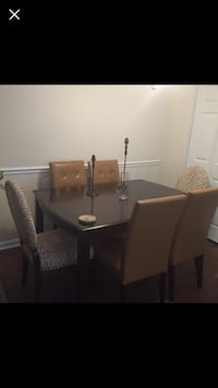 Beautiful dining set for sale (6) Chairs Fort Mill, 29707