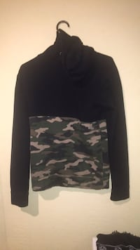 black and gray camouflage long-sleeved shirt North Saanich, V8L 5T2