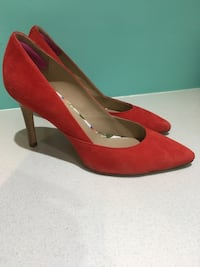 Johnston & Murphy size 8 suade pumps!  Vancouver, V6J 2H2