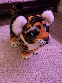 Furreal Tiger (originally $94) batteries included Springfield, 22153