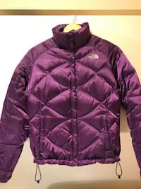 (120) Girl's Coat North Face Size 8-10