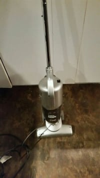 white and black upright vacuum cleaner Longueuil, J4K 2W6