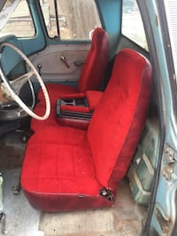 Bench seat w/console