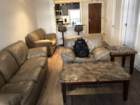 Excellent Condition Living Room Furniture WASHINGTON