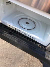 Ge microwave(does not have mounting hardware) but does have glass rotating plate Stafford, 22554