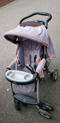 chicco baby stroller  Minneapolis, 55428