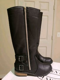 pair of black leather knee-high boots Ashburn, 20148