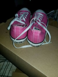 Pink converse all stars West Chicago, 60185