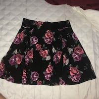 H&M skirt size small  North Vancouver, V7H