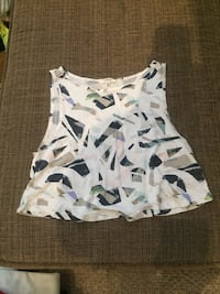 Wilfred crop top size XXS Calgary, T3A 6L4