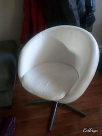 Modern white leather swivel accent chair Baltimore, 21217