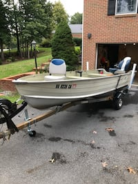 Starcraft 14 ft aluminum v hull boat with 20 hp Mercury 4 stroke Winchester, 22602