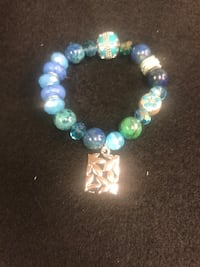 blue, green, and white beaded bracelet Signal Hill, 90755