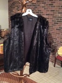 black and gray fur coat Hyattsville, 20782